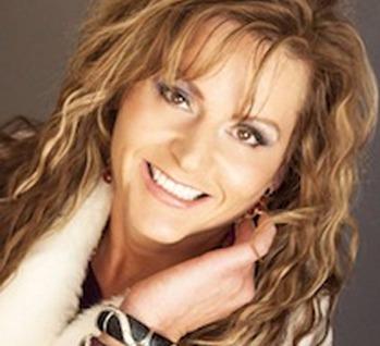 Lori Didonato - Stylist